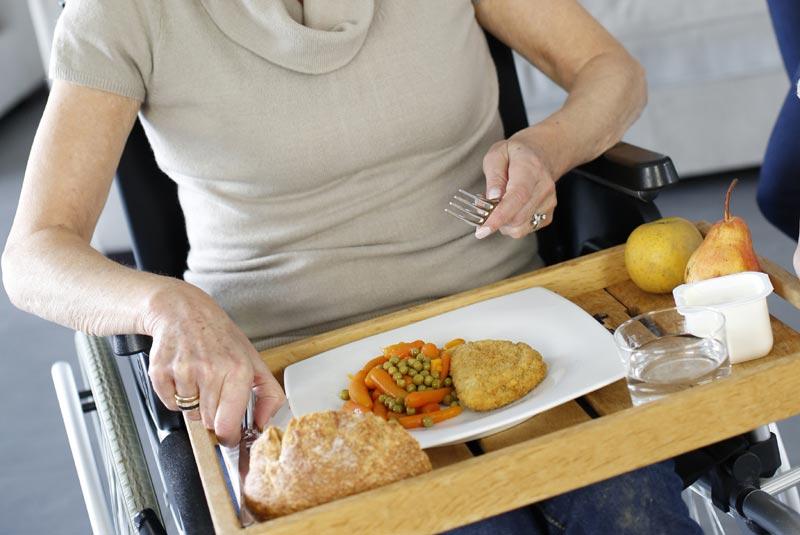 HANDICAP • Aide pour les repas